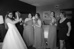 champagne pop wedding photos