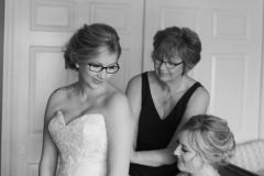 Mom and sister wedding portrait, getting ready wedding photos, dress photos