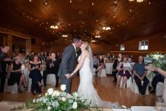 Kiss , ceremony, winery weddings