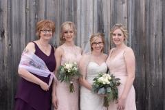 barn wedding, niagara wedding, destination wedding photographer, family photos
